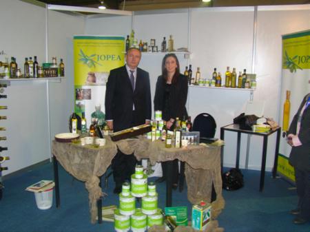 Зам. председателя РИДС г-н Кононенко В.А. и Председатель Ассоциации экспортеров оливкового масла Иордании госпожа Руба Дагхмиш на сельскохозяйственной выставке SAWSANA Festival