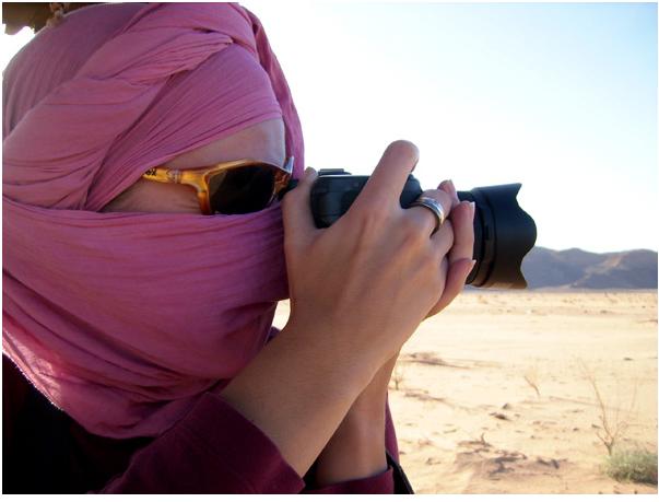 Вот так можно спастись от песка и фотографировать