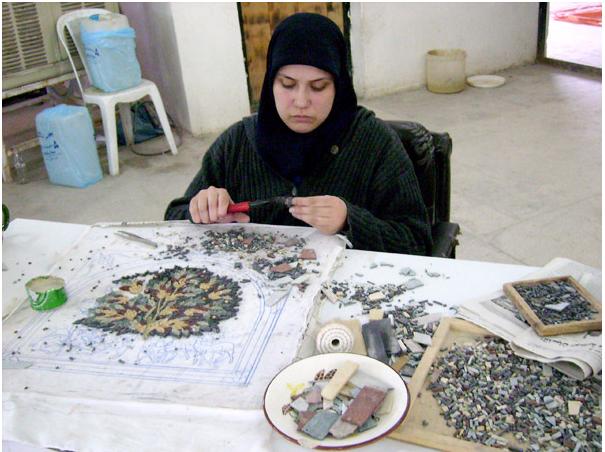 На фабрике мозаик