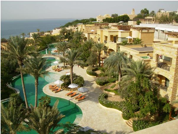 Гостиничный комплекс на берегу Мертвого моря