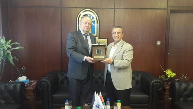 Зам. председателя, директор РИДС В.А. Кононенко, сенатор, председатель ТП Аммана господин Исса Мурад
